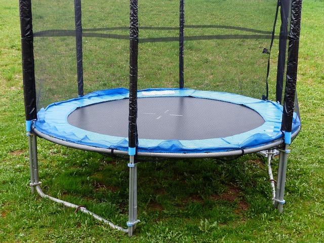 dětská trampolína.jpg