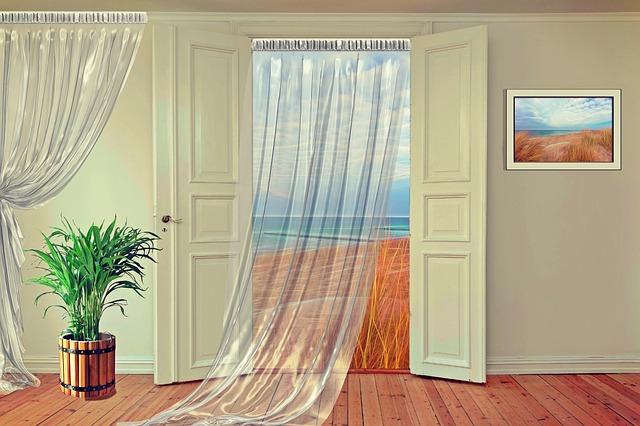 závěs ve dveřích.jpg